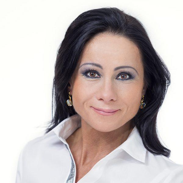 Németh Krisztina az Artdent Fogászat és Szájsebészet fogászati asszisztense és dentálhigiénikusa.